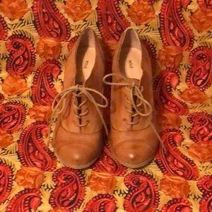 Sole Society Oxford Heels